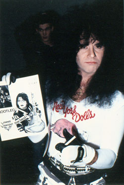 Eric Carr backstage 1988